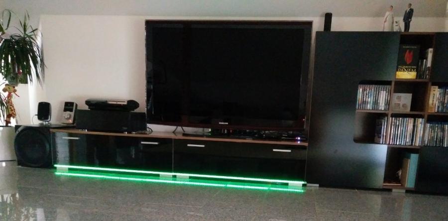 Indirekte Beleuchtung mit RGBW LED Stripes per WLAN steuern