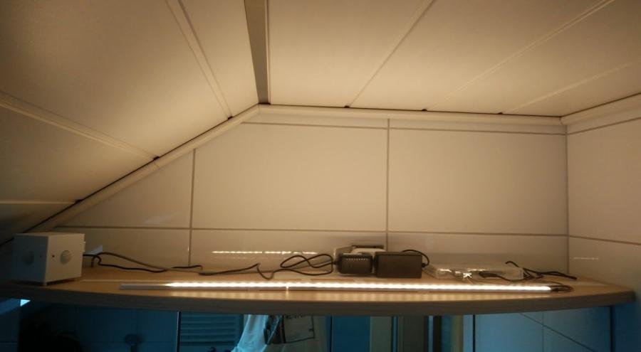 wlan bewegungsmelder und lichtsteuerung im bad. Black Bedroom Furniture Sets. Home Design Ideas